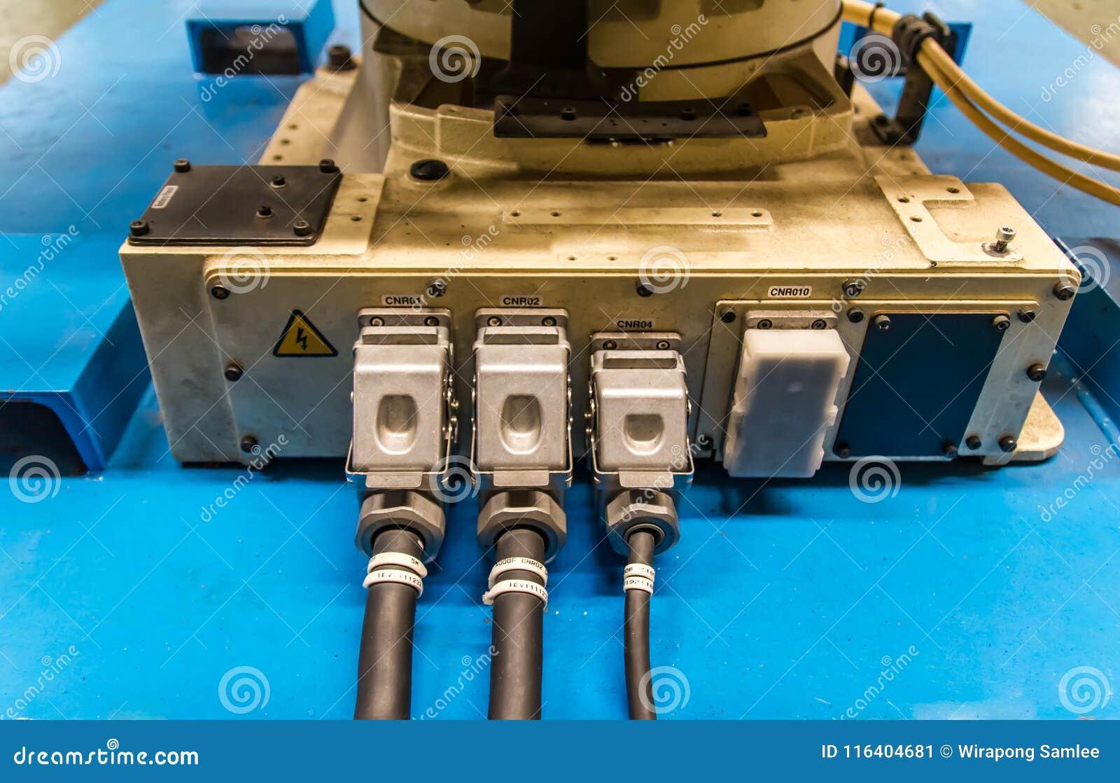 Robot weld connector wiring in machine industrial