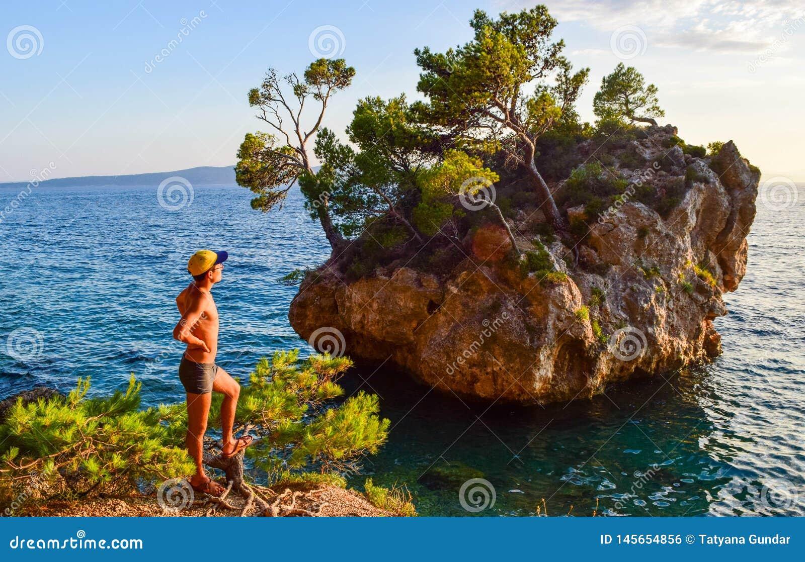 Roca de Brela, Croacia