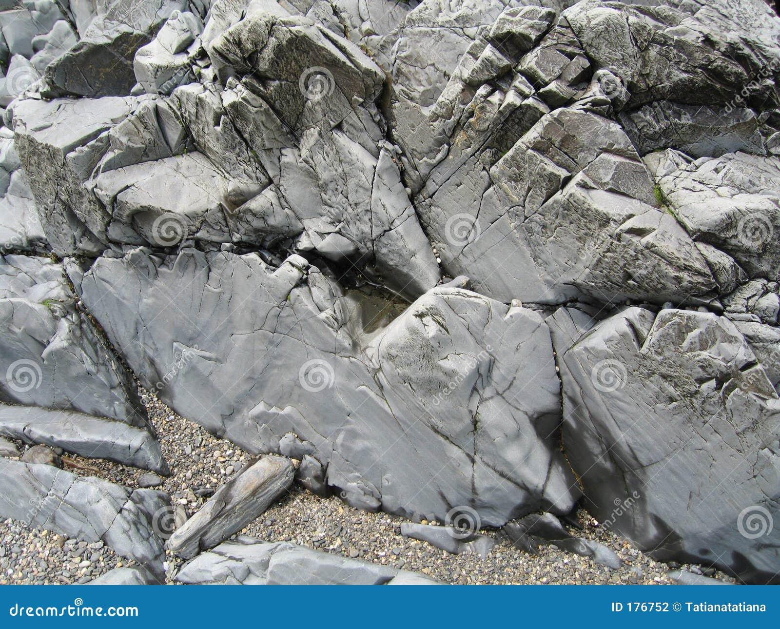 Rocas en la playa de Maine