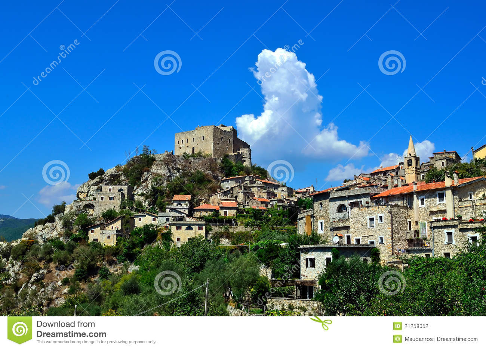 Rocca savona Италии di castelvecchio barbena