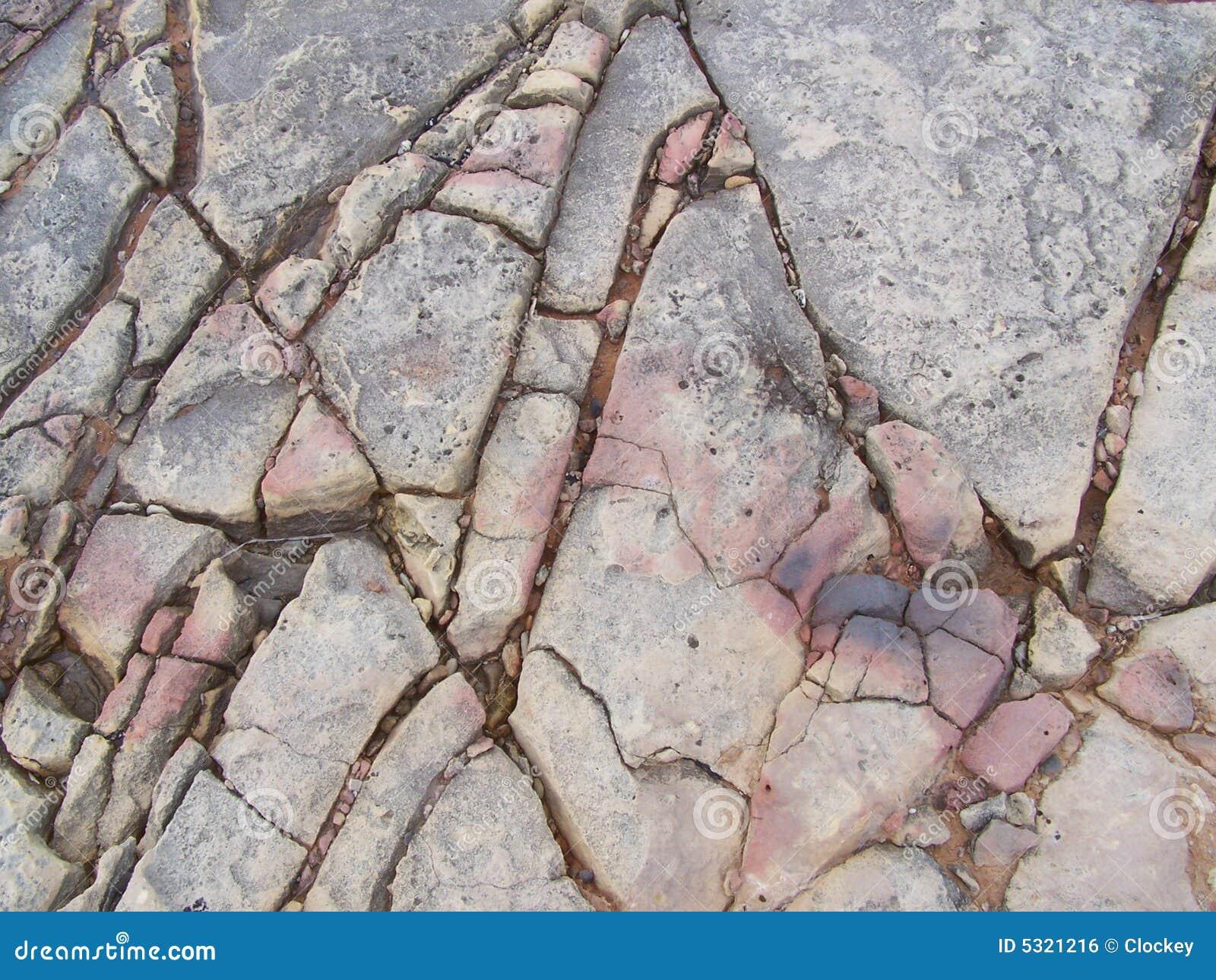 Download Rocce incrinate fotografia stock. Immagine di geologico - 5321216