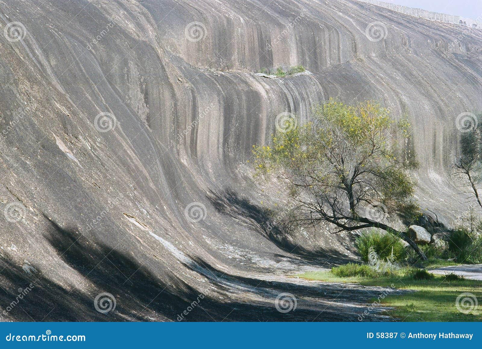 Download Roche d'onde image stock. Image du onduler, scénique, roche - 58387