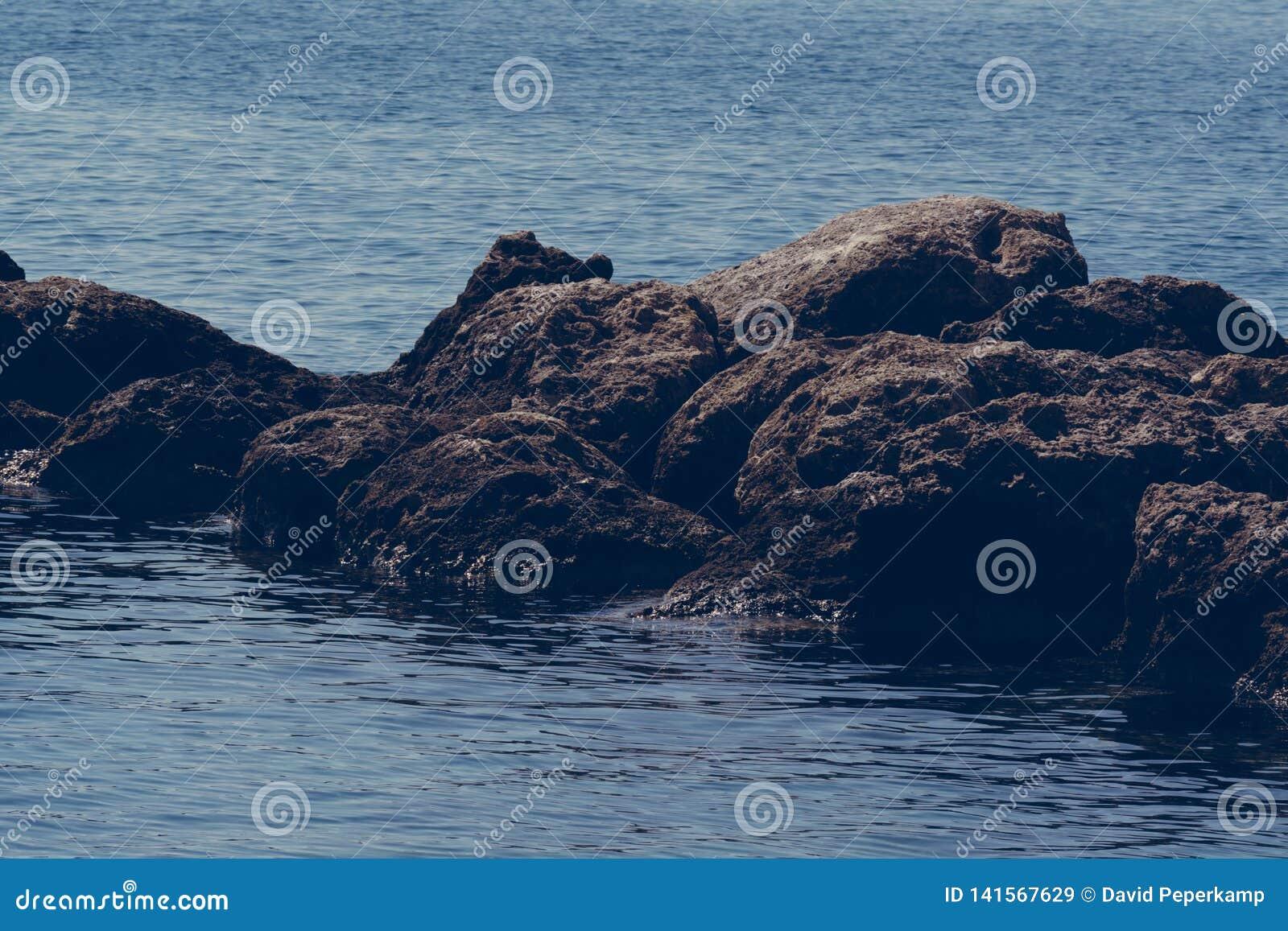 Roches en mer, Crète Grèce