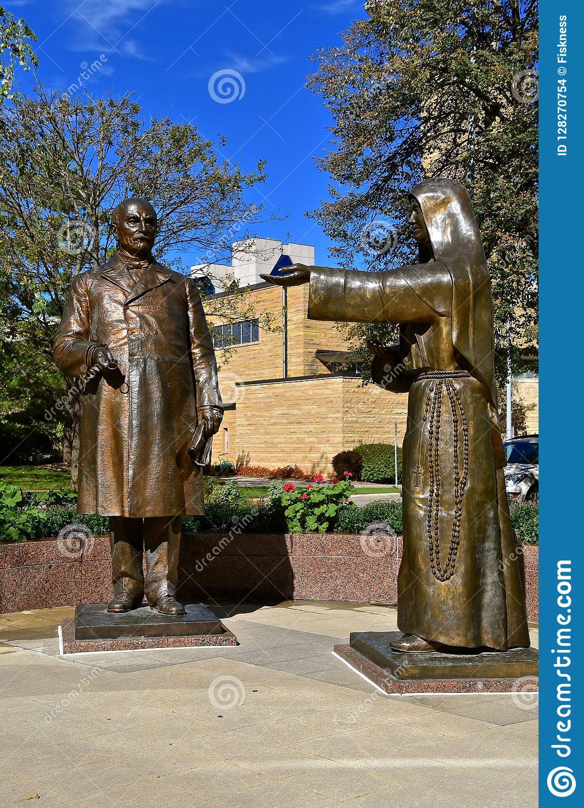 Rochester Mayo Clinic Statues Of William Mayo And Mother Alfred