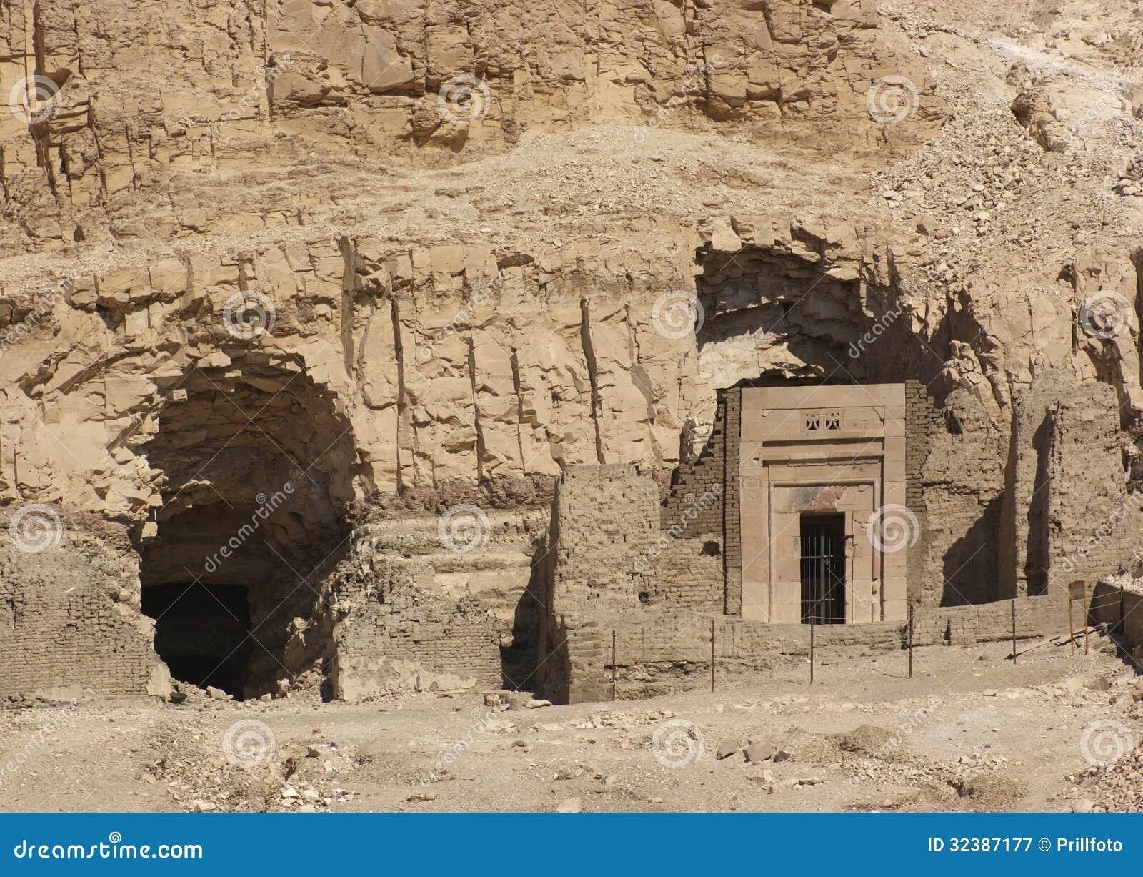 ... hatshepsut tomb paintings hatshepsut artifacts inside hatshepsut tomb