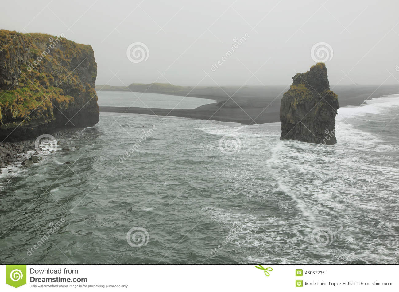 Rock formations in Cape Dyrholaey