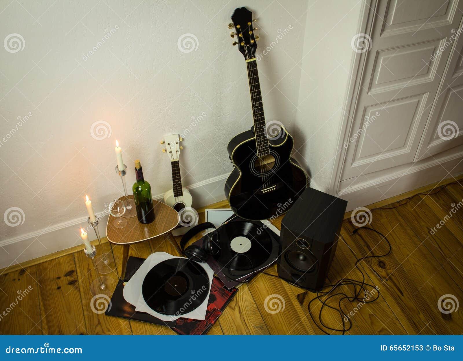 Rock N Roll Setup With Ukulele Acoustic Guitar Speaker