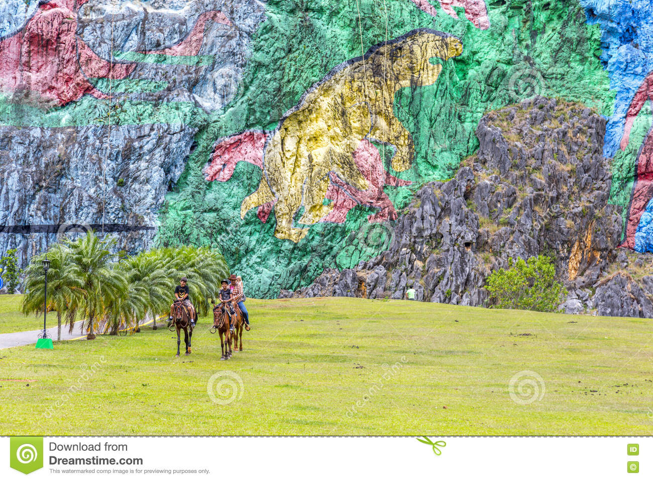 Rock painting in vinales cuba editorial stock image for Mural de la prehistoria cuba