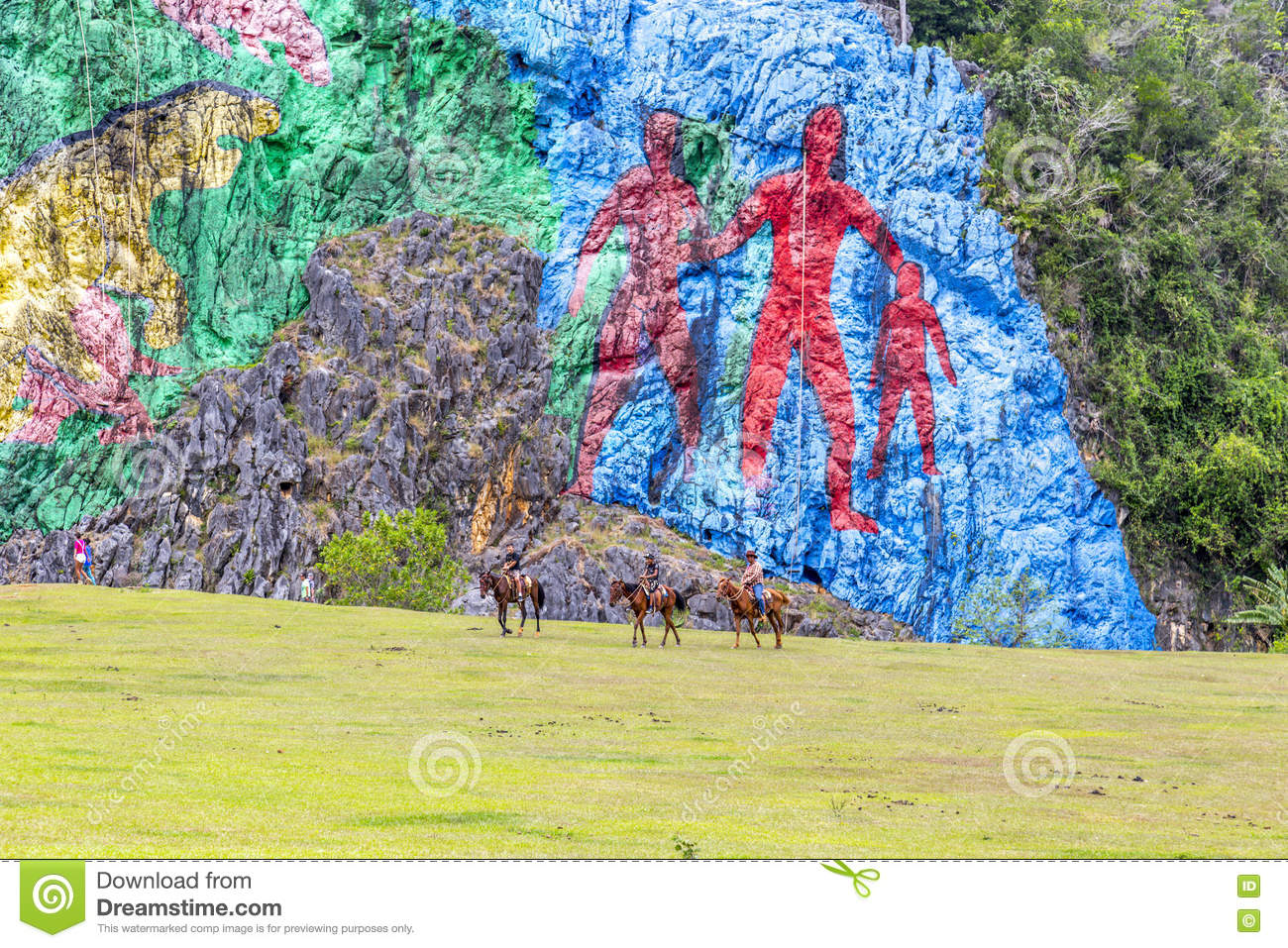 Rock painting in vinales cuba editorial stock photo Mural de la prehistoria cuba