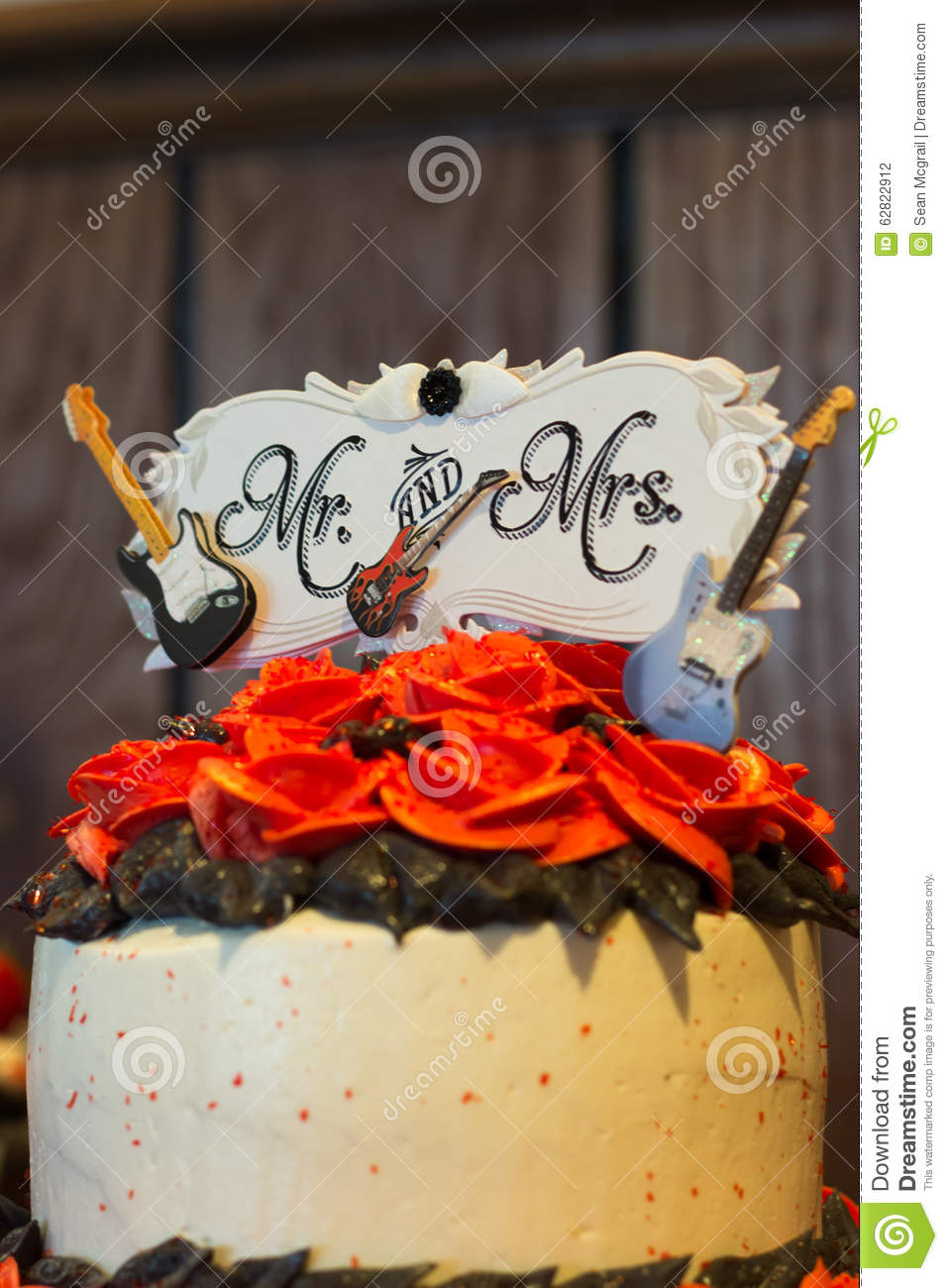 rock themed wedding cakes rock and roll wedding cake stock photo image 62822912 19252
