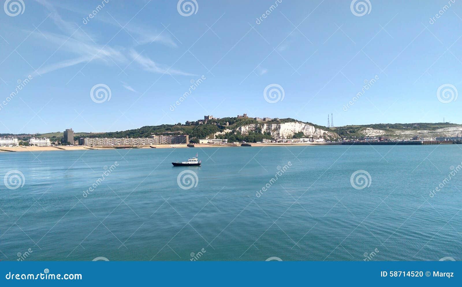 Rockera, den vita klippor och stranden av Dover