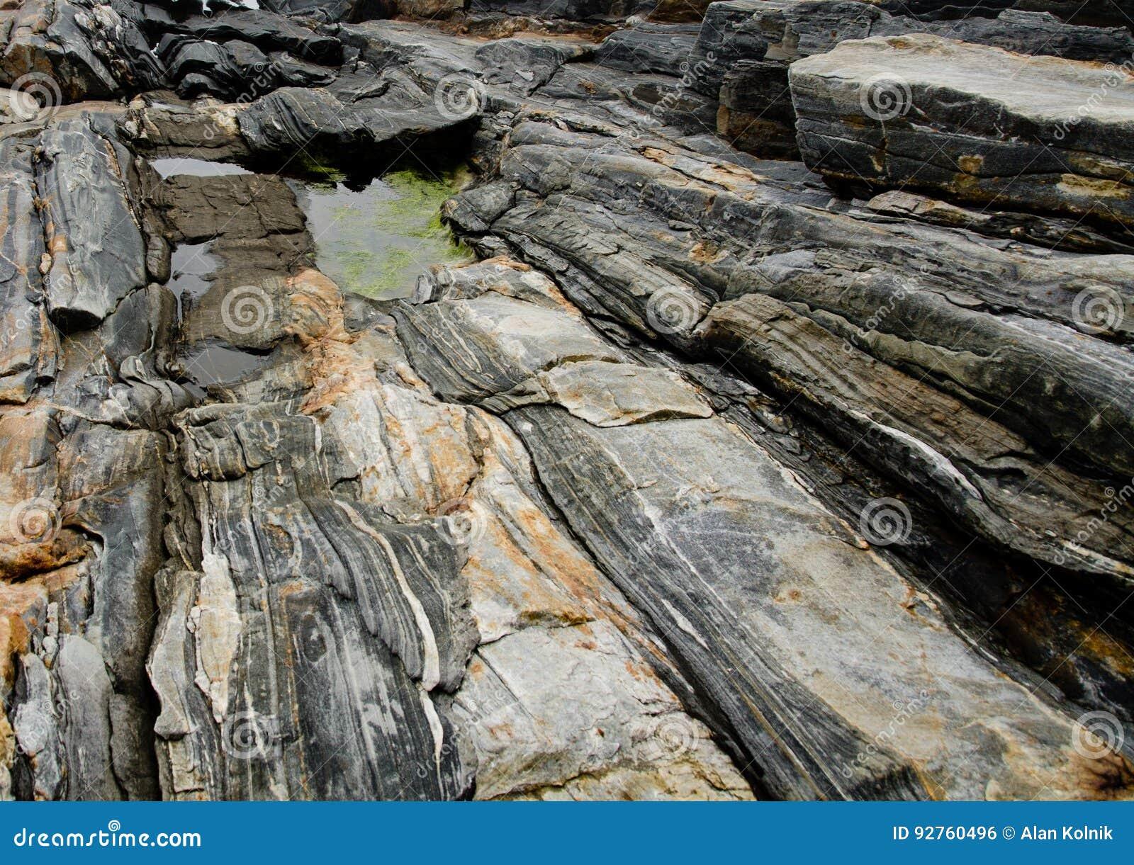 Rockowa formacja przy Acadia parkiem narodowym, Maine
