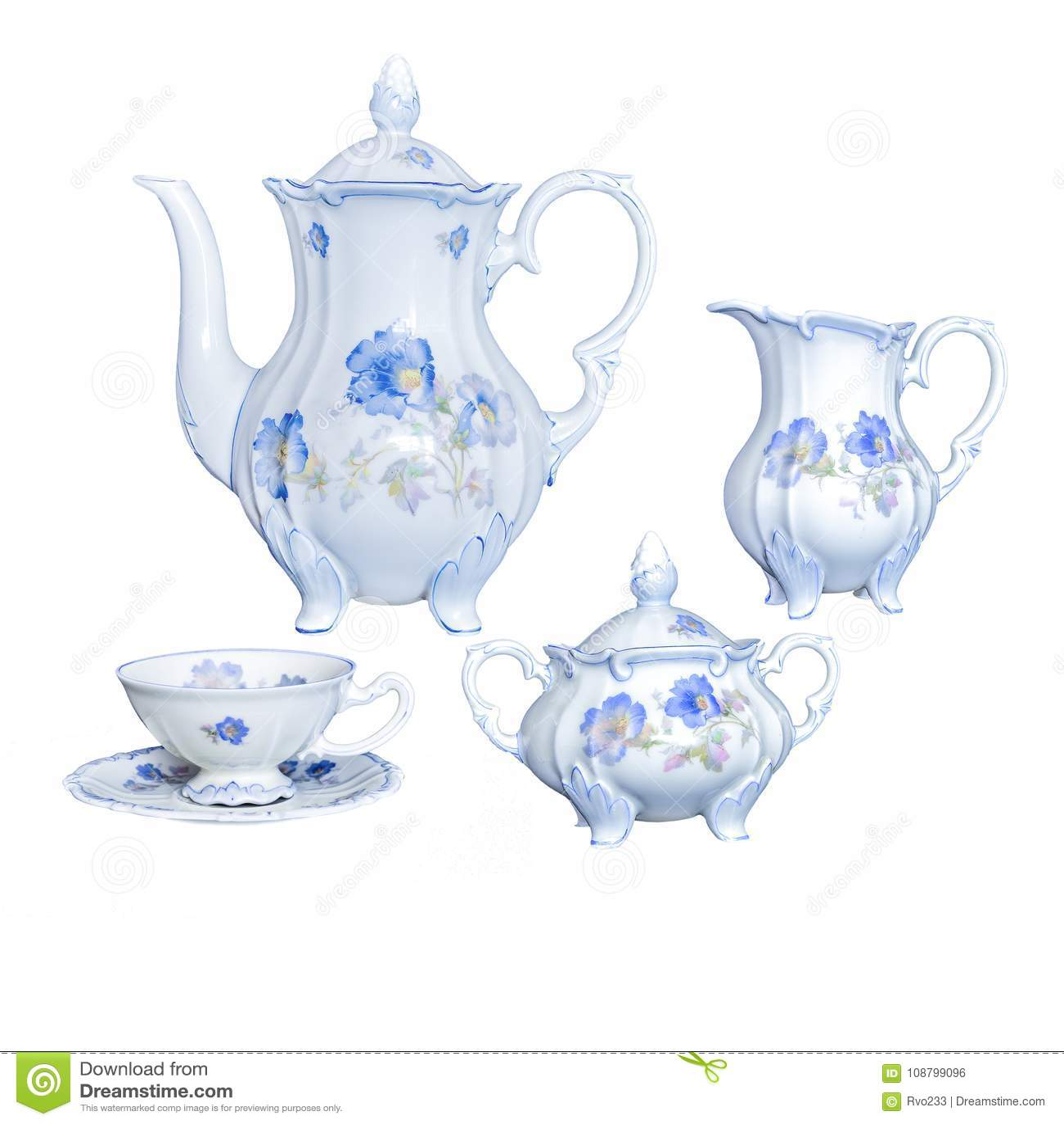 Rocznik antykwarskiej eleganckiej porcelany herbaciany naczynie na białym backgro