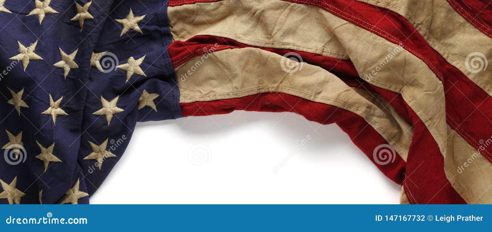 Rocznik czerwień, biel i błękitna flaga amerykańska dla dnia, dnia pamięci lub weterana