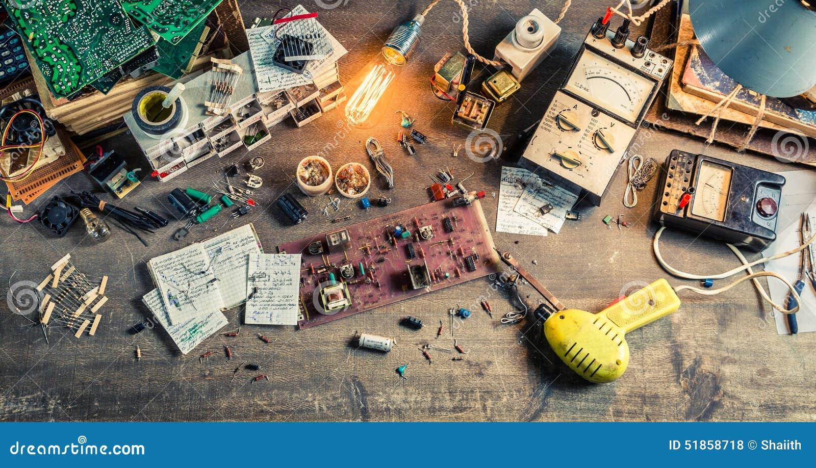 Rocznik elektronika miejsce pracy w laboratorium