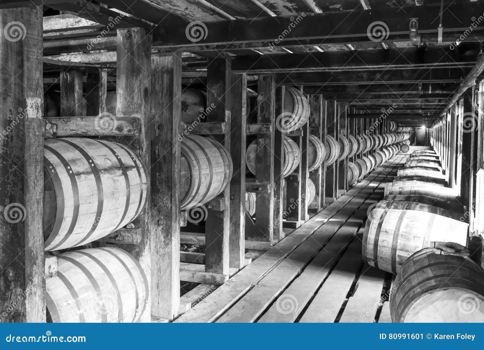 Rocznika bourbonu baryłki w Rik domu