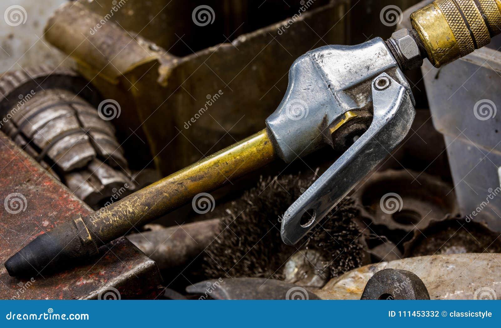Rocznika maszynowego sklepu lotniczego kompresoru węża elastycznego antykwarski automobilowy nozzle z mosiężną szyją gumową porad