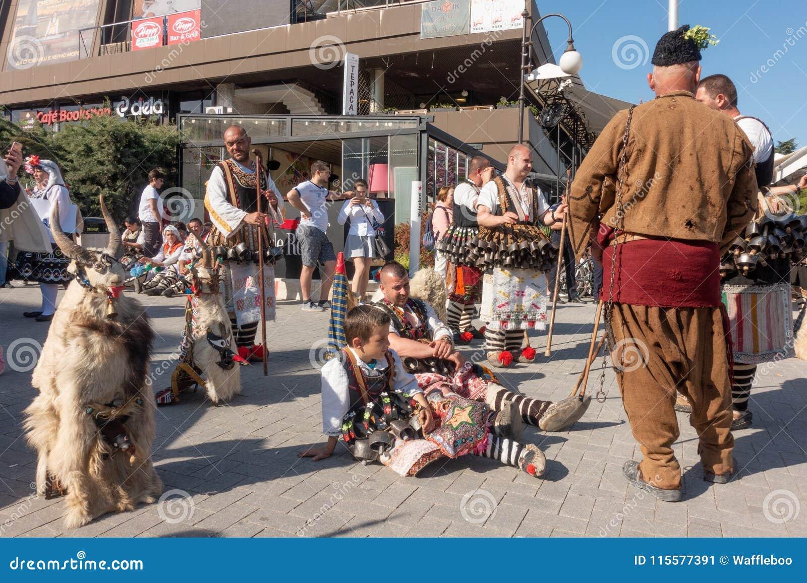 Roczny wiosna karnawał w Varna, Bułgaria
