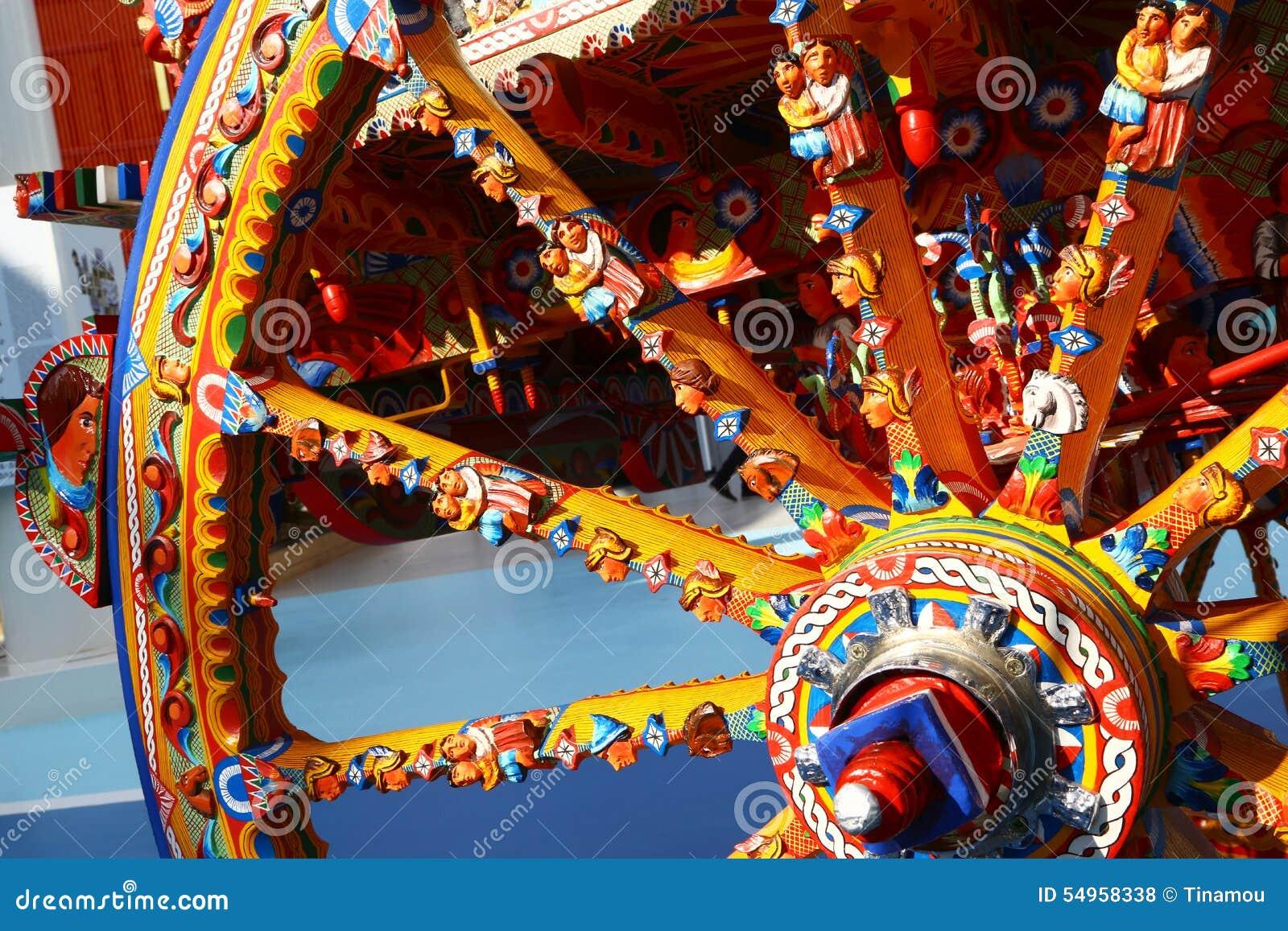 Roda do carro siciliano tradicional