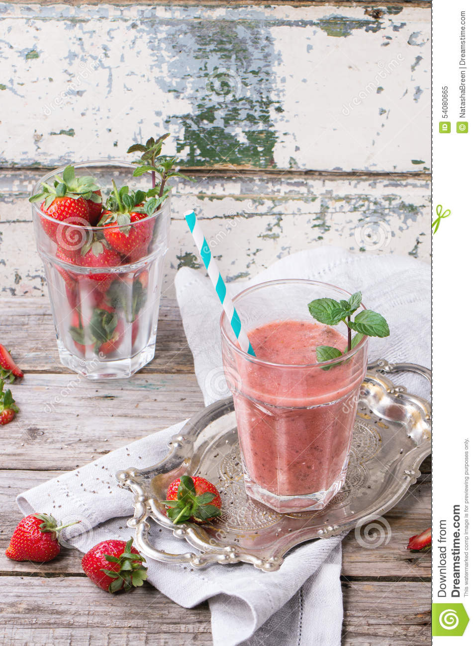 Rode aardbei smoothie
