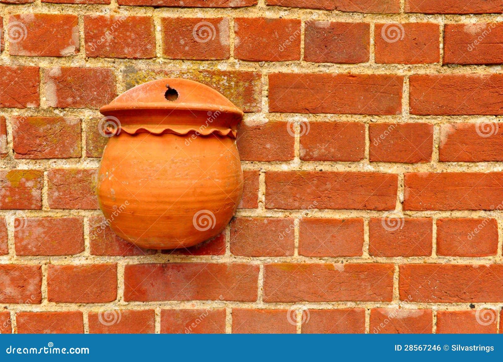 Rode bakstenen muur met bloempot royalty vrije stock afbeelding afbeelding 28567246 - Rode bakstenen lounge ...