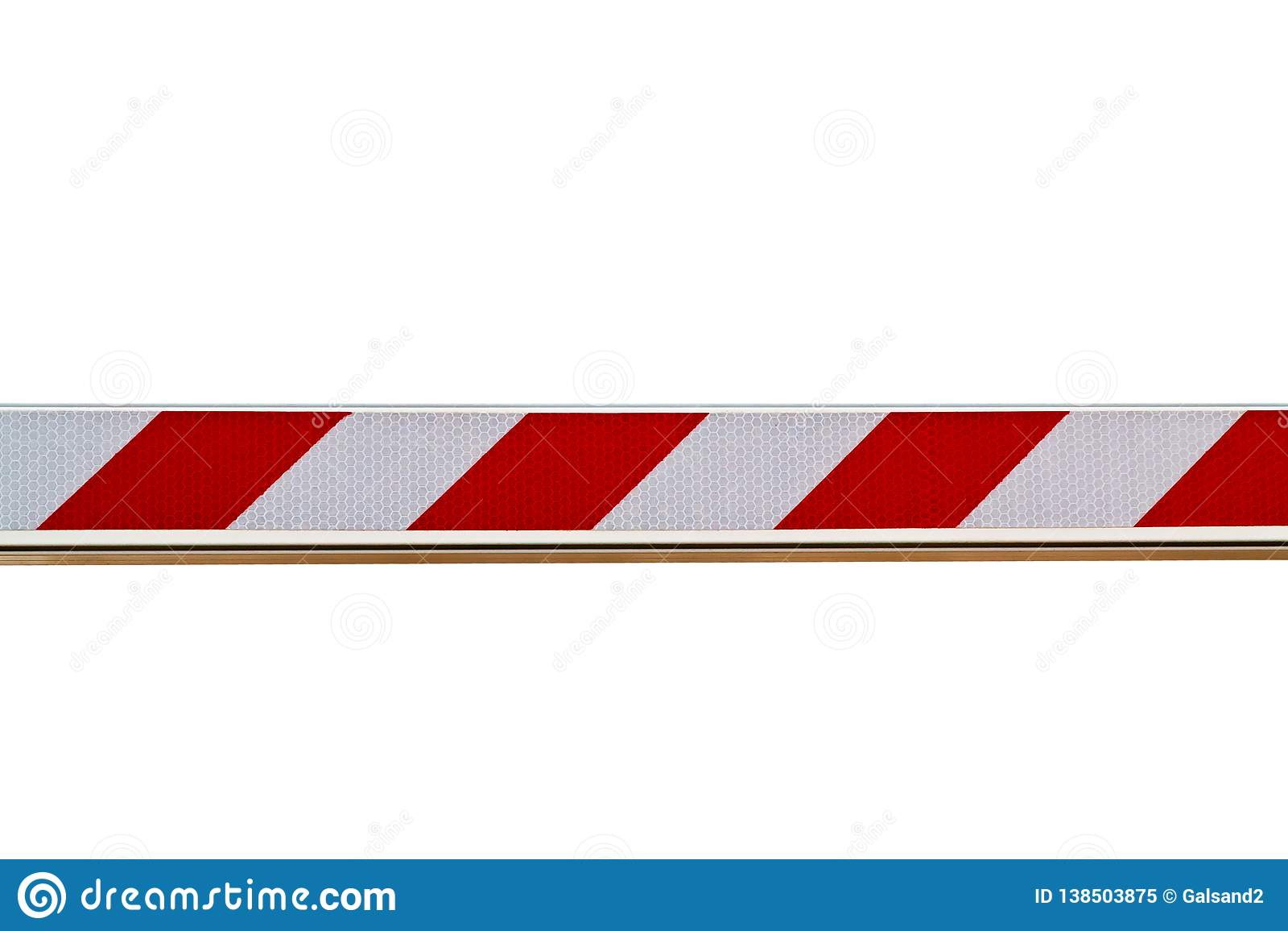 Rode en witte gestreepte die barrière op witte achtergrond wordt geïsoleerd