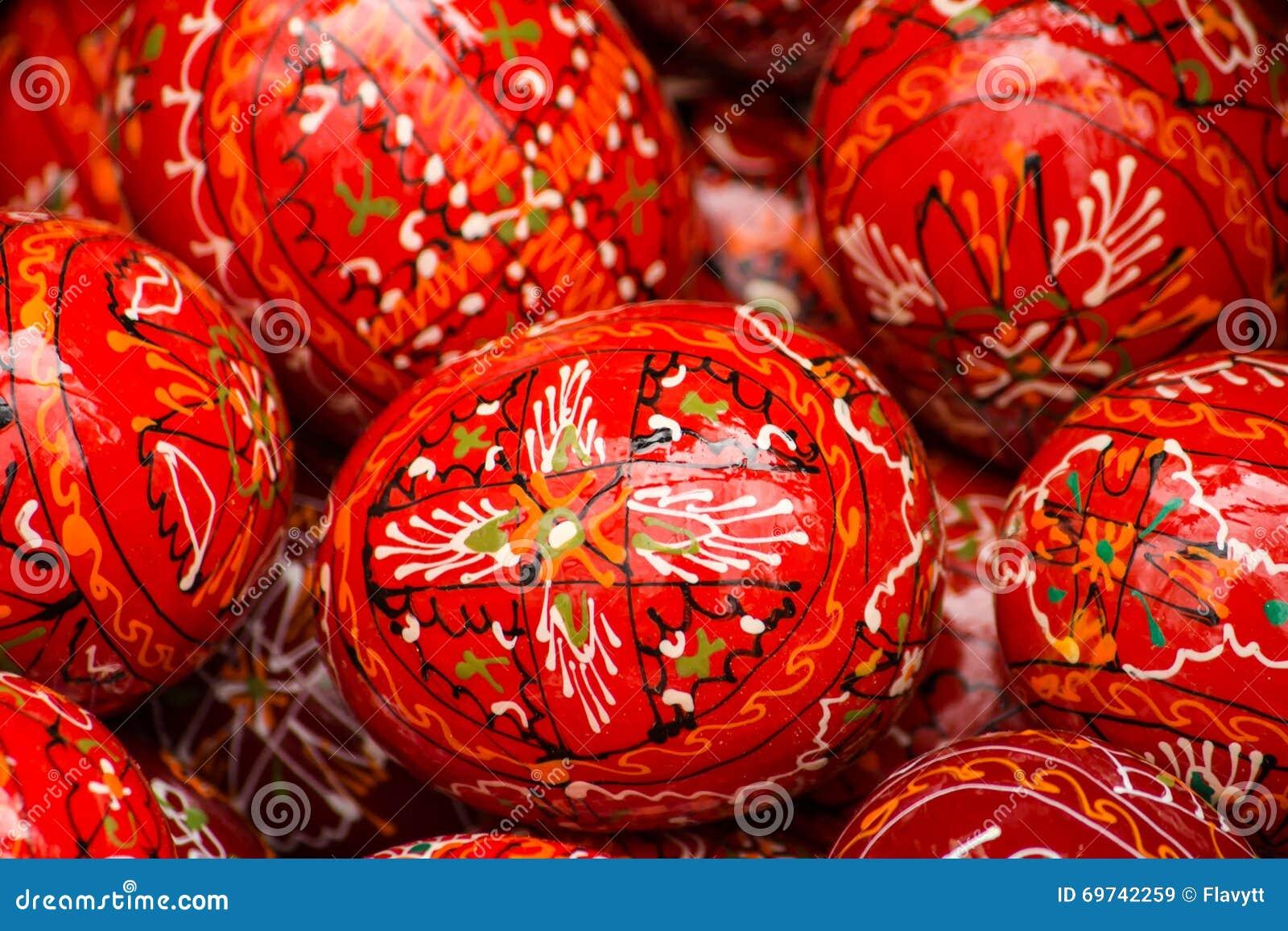 Rode Geschilderde Paaseieren