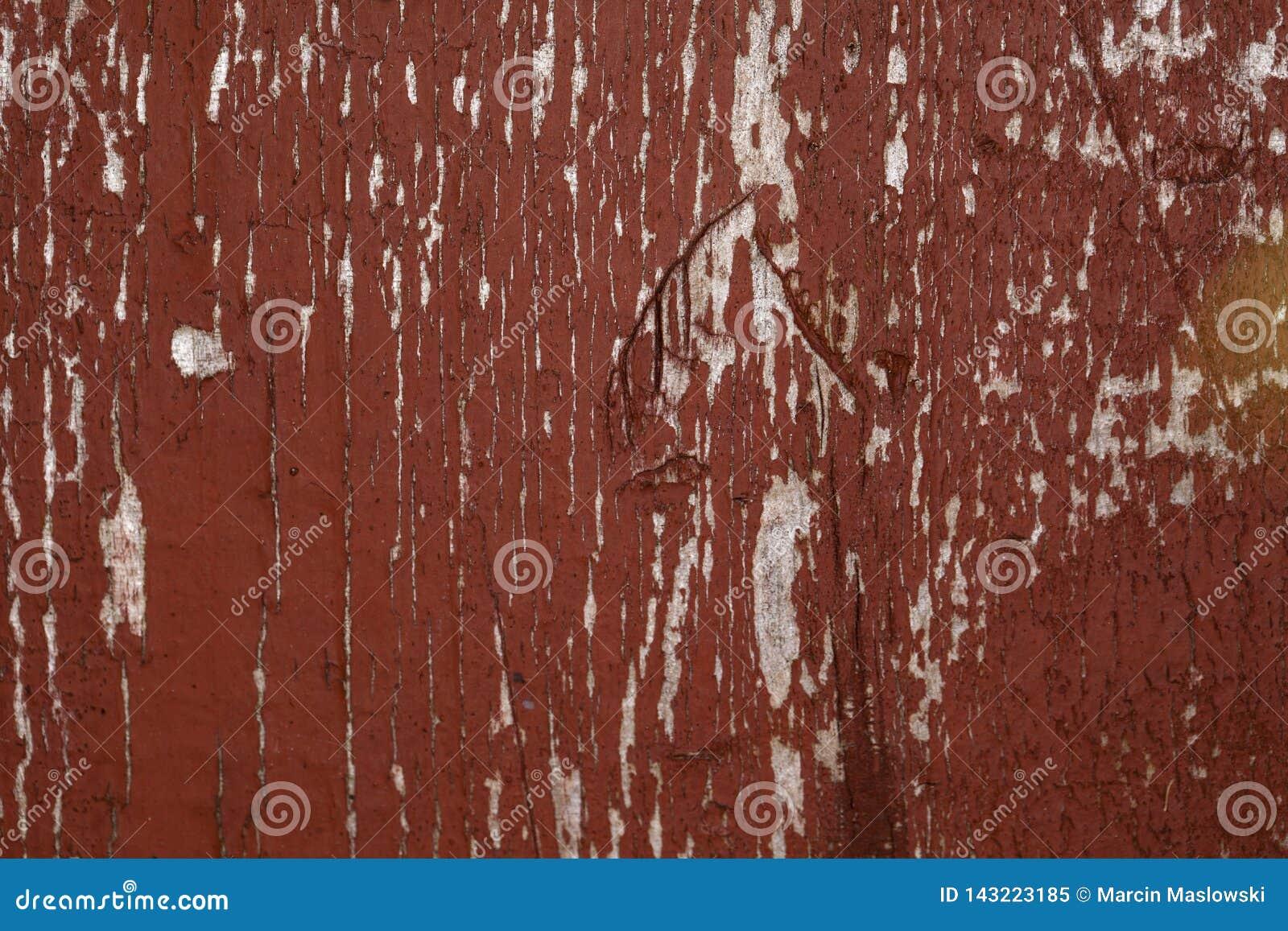 Rode houten achtergrond, gebroken verf