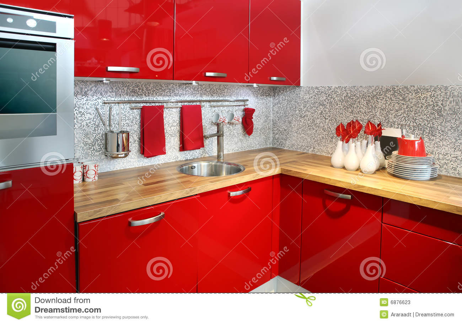 Rode keuken stock foto's   afbeelding: 6876623