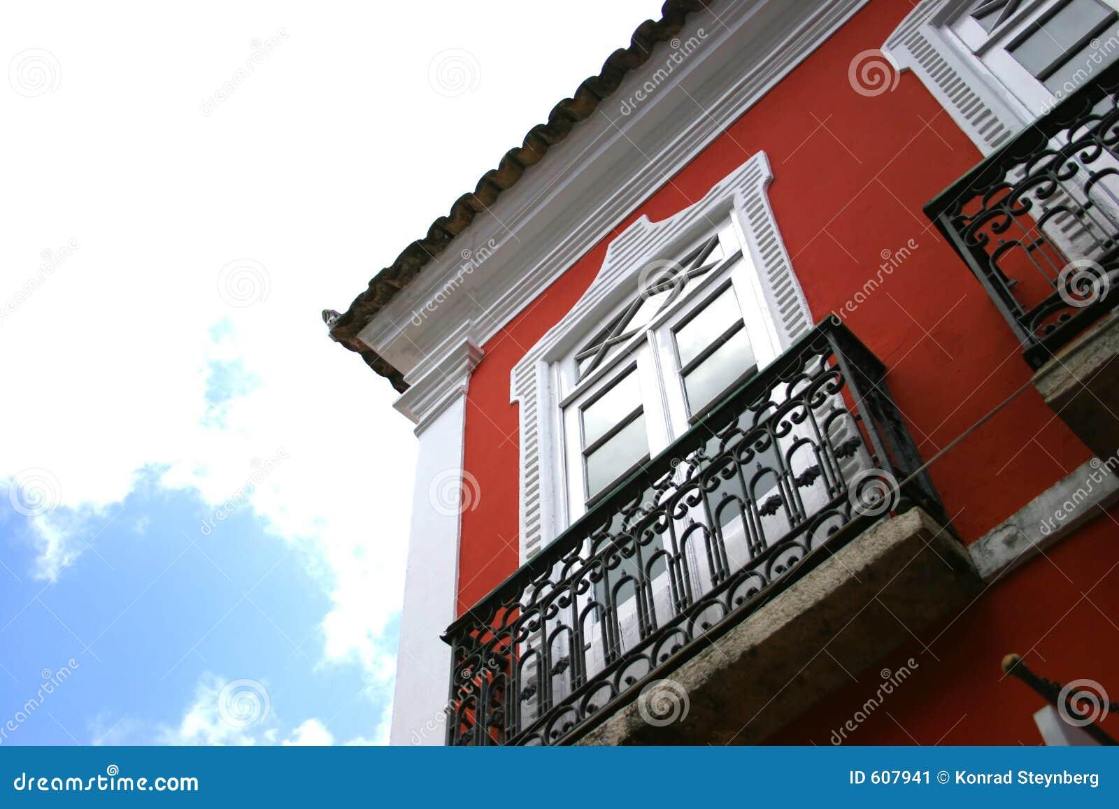 Rode ommuurde flats