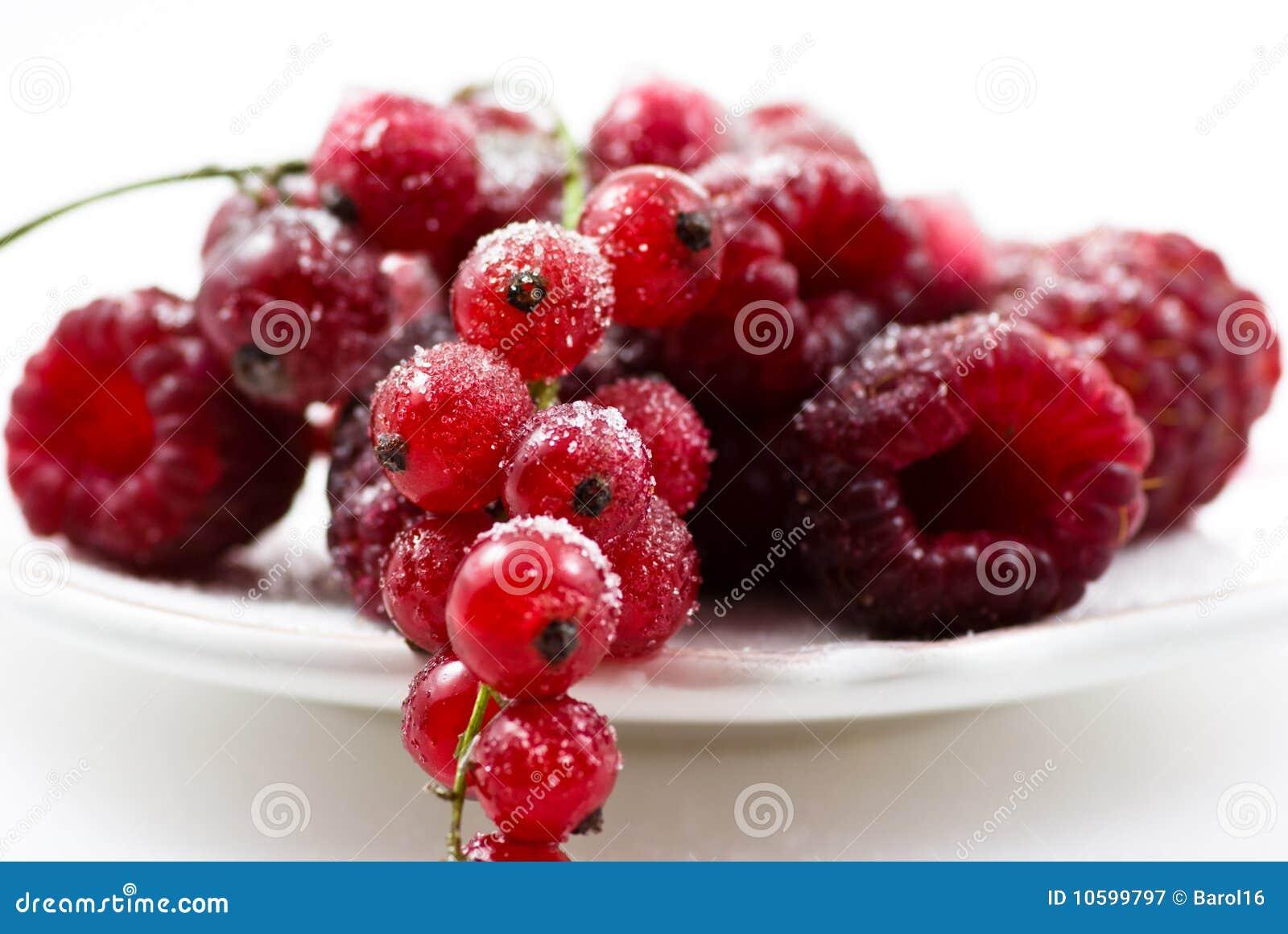 Rode vruchten met suiker