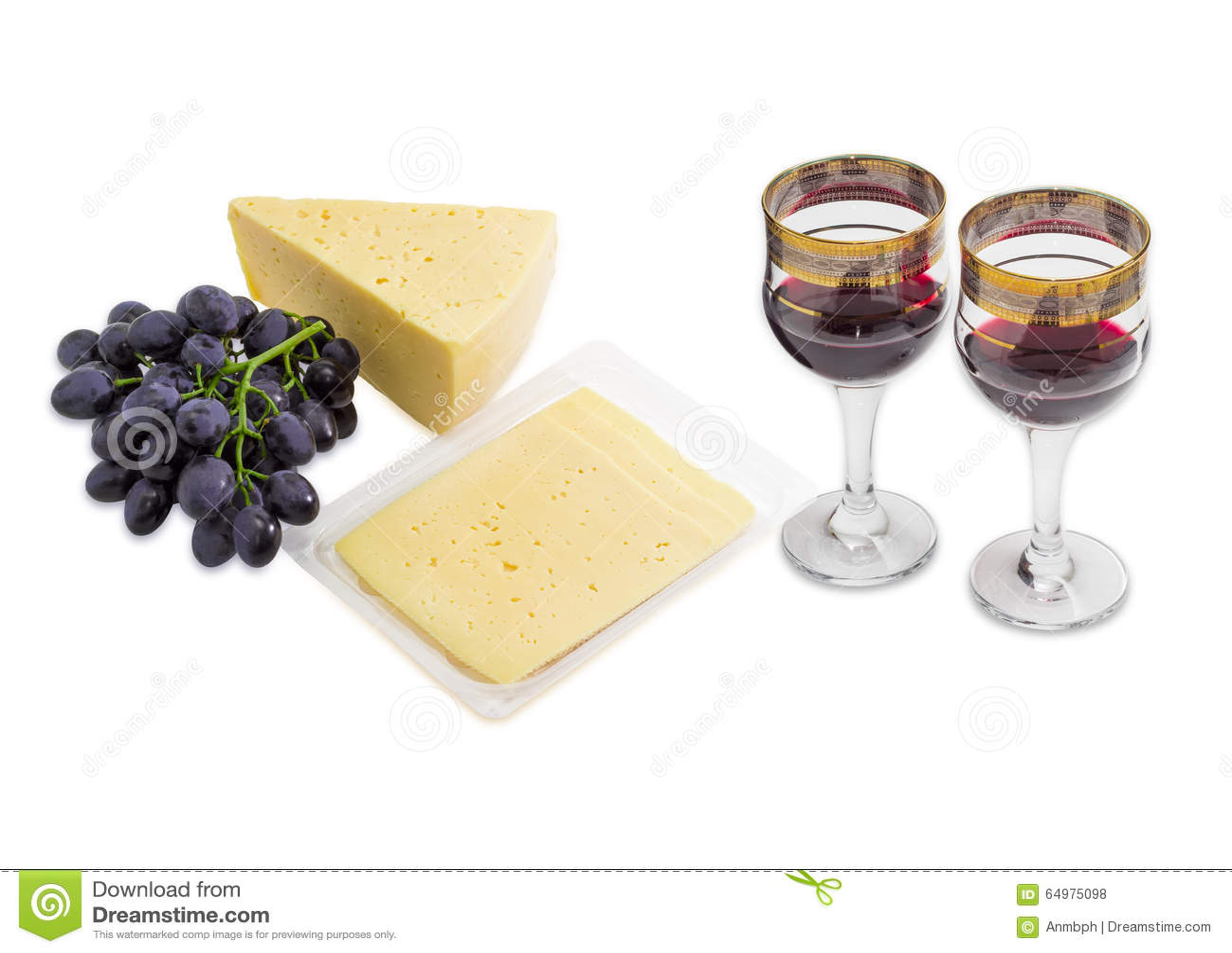 Lichte Rode Wijn : Rode wijn druiven en kaas op een lichte achtergrond stock foto