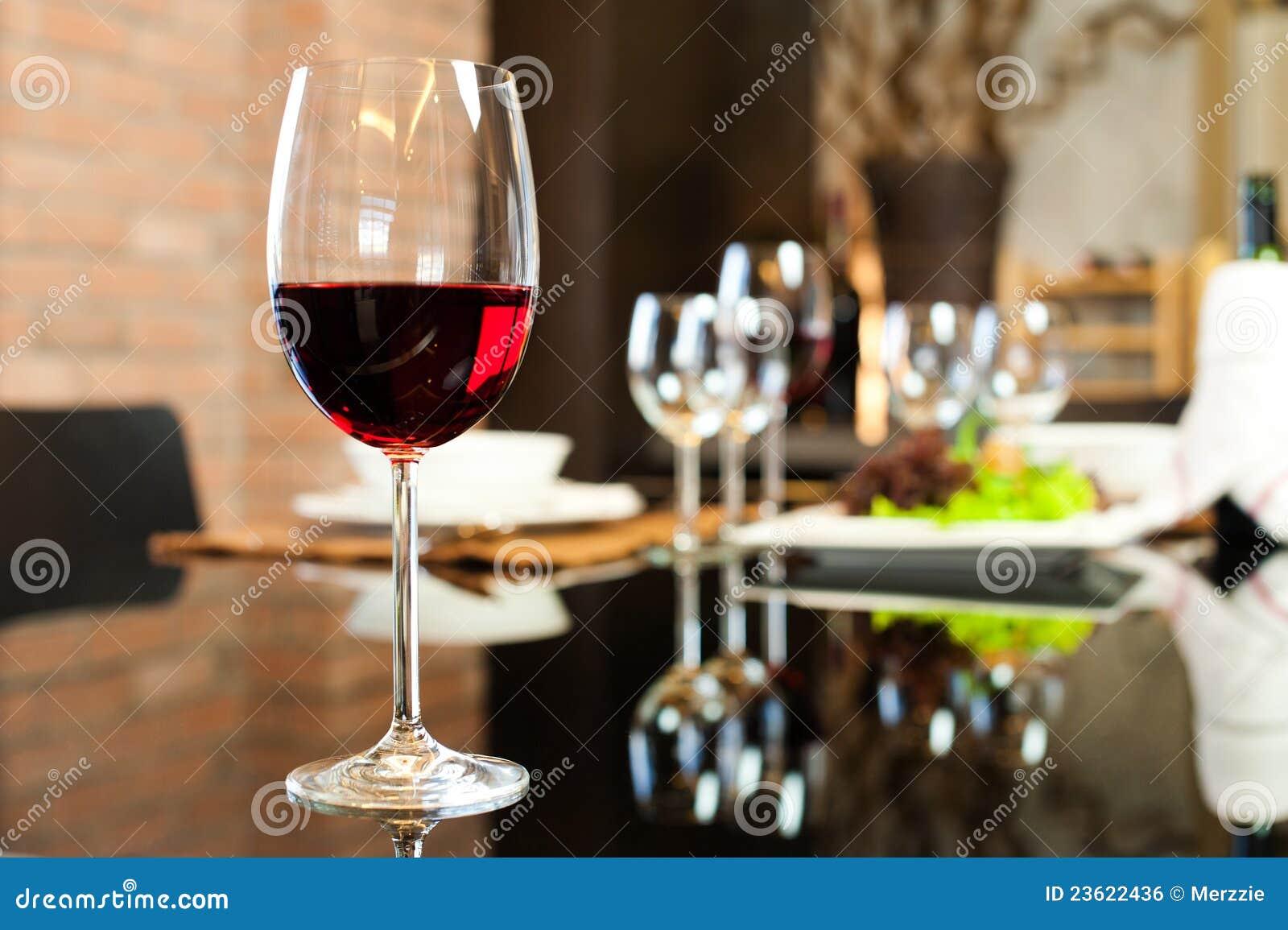 Rode wijn in Restaurant