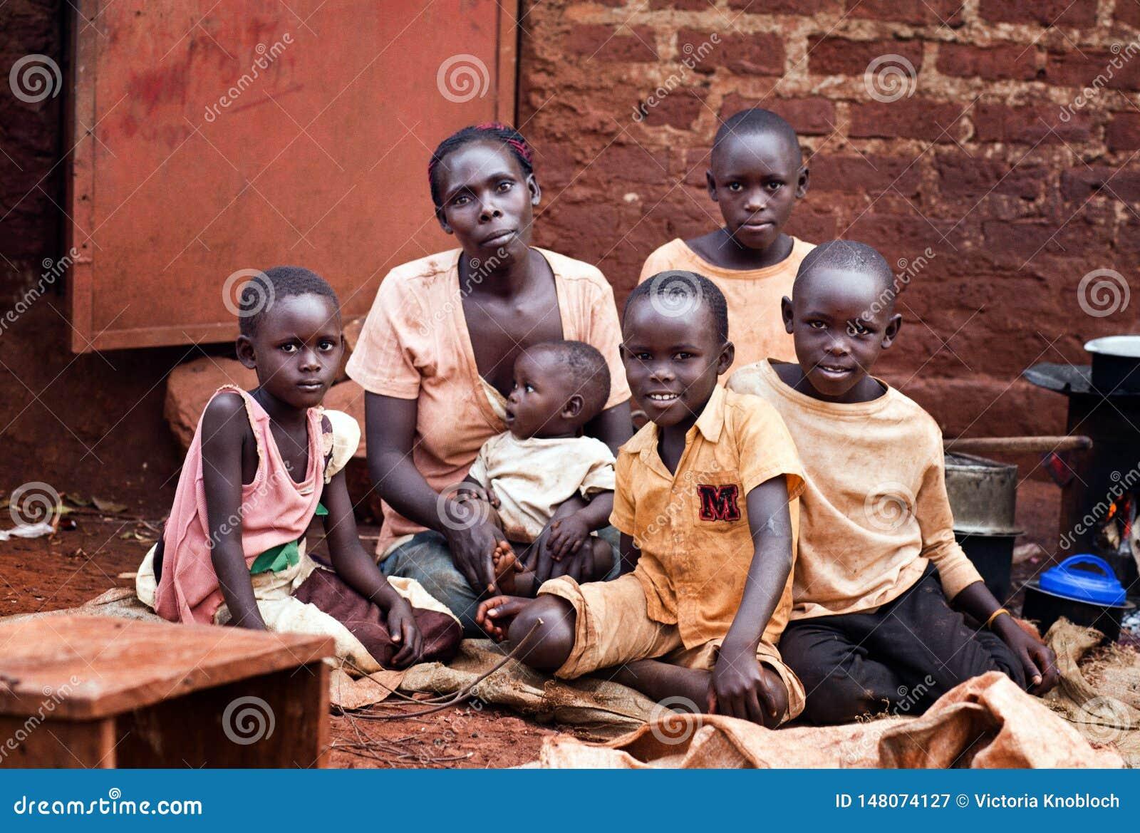 Rodzina blisko Jinja w Uganda
