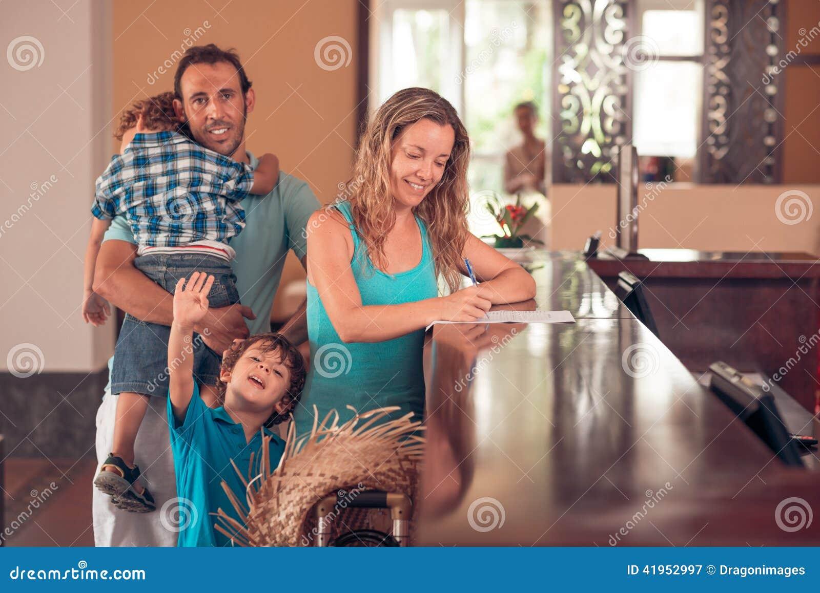 Rodzina przy przyjęciem