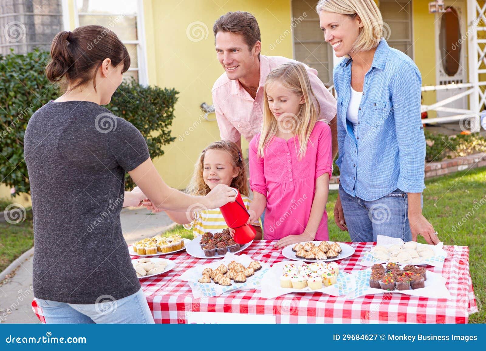 Rodzinna Działająca dobroczynność Piec sprzedaż