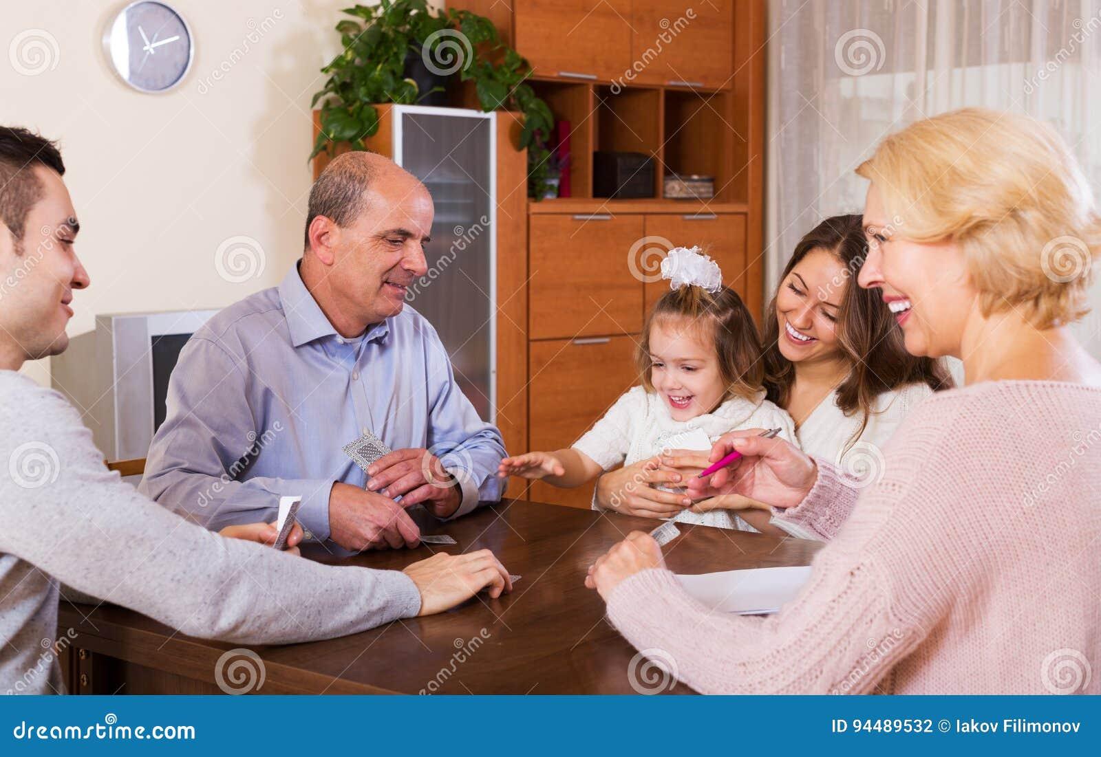 Rodzinna sztuka w moscie