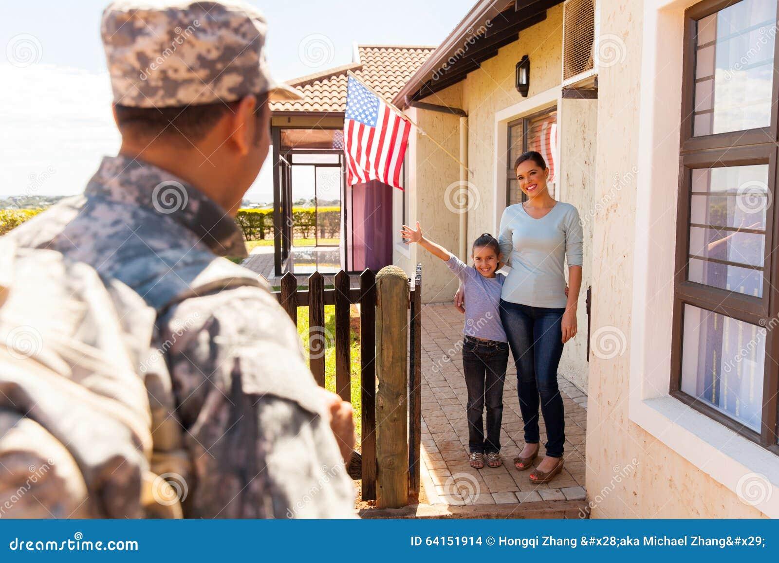 Rodzinny powitalny militarny fathe