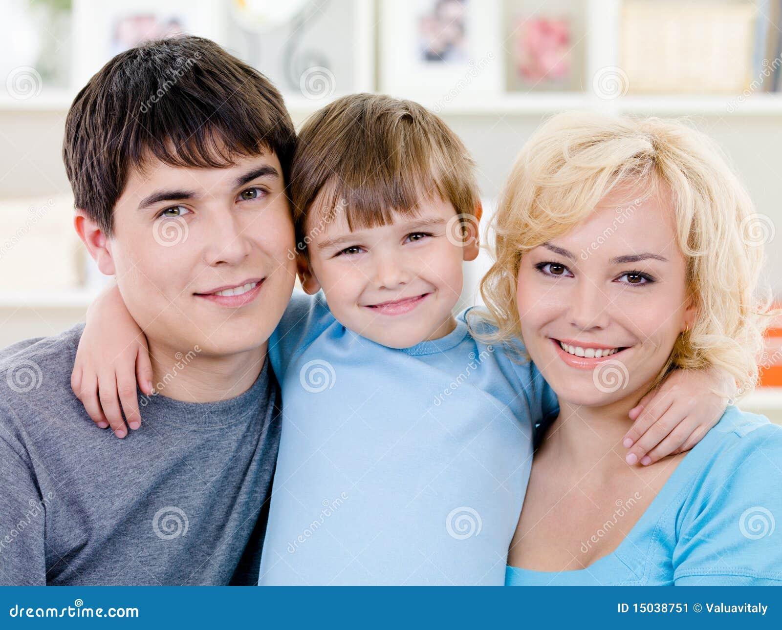 Rodzinny szczęśliwy portret