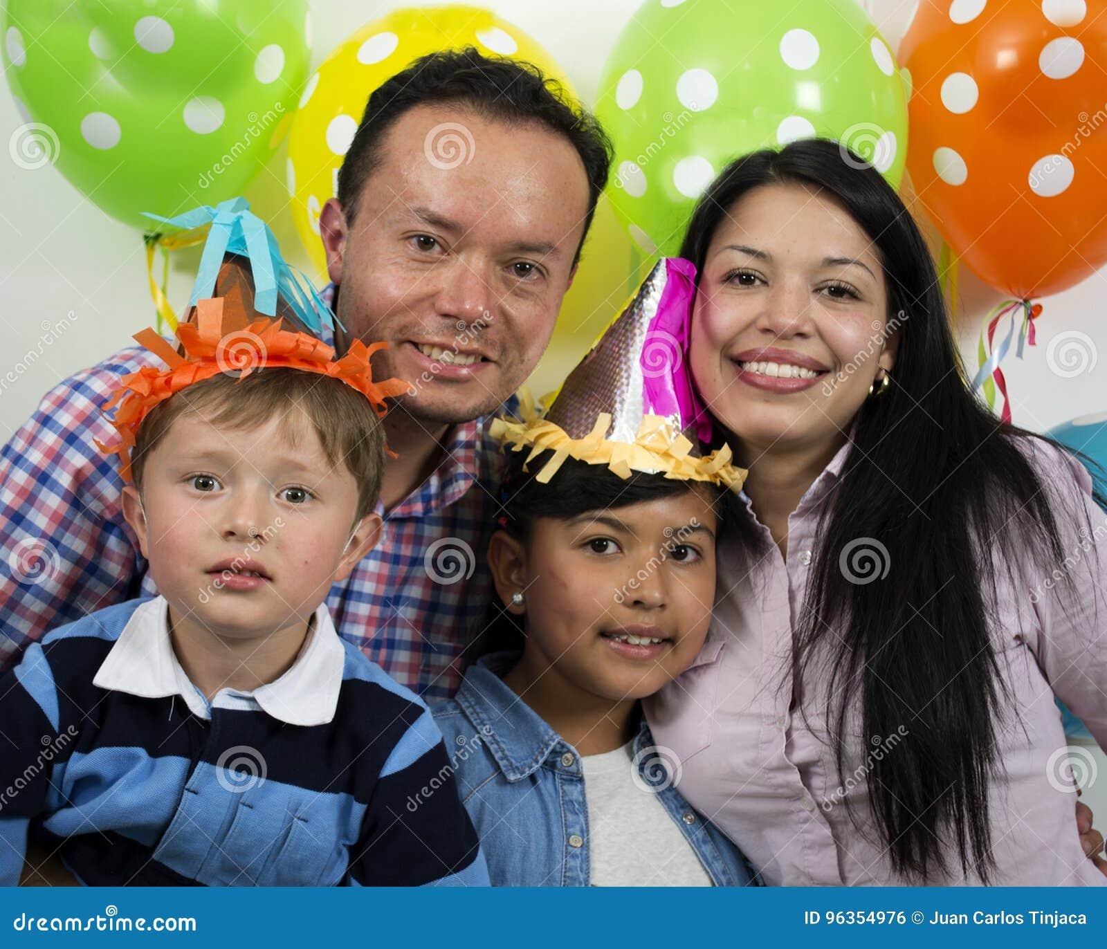Rodziny partyjny birthday& x27; s dzień