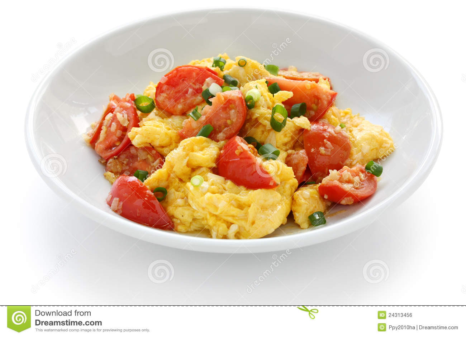 Roereieren met tomaten