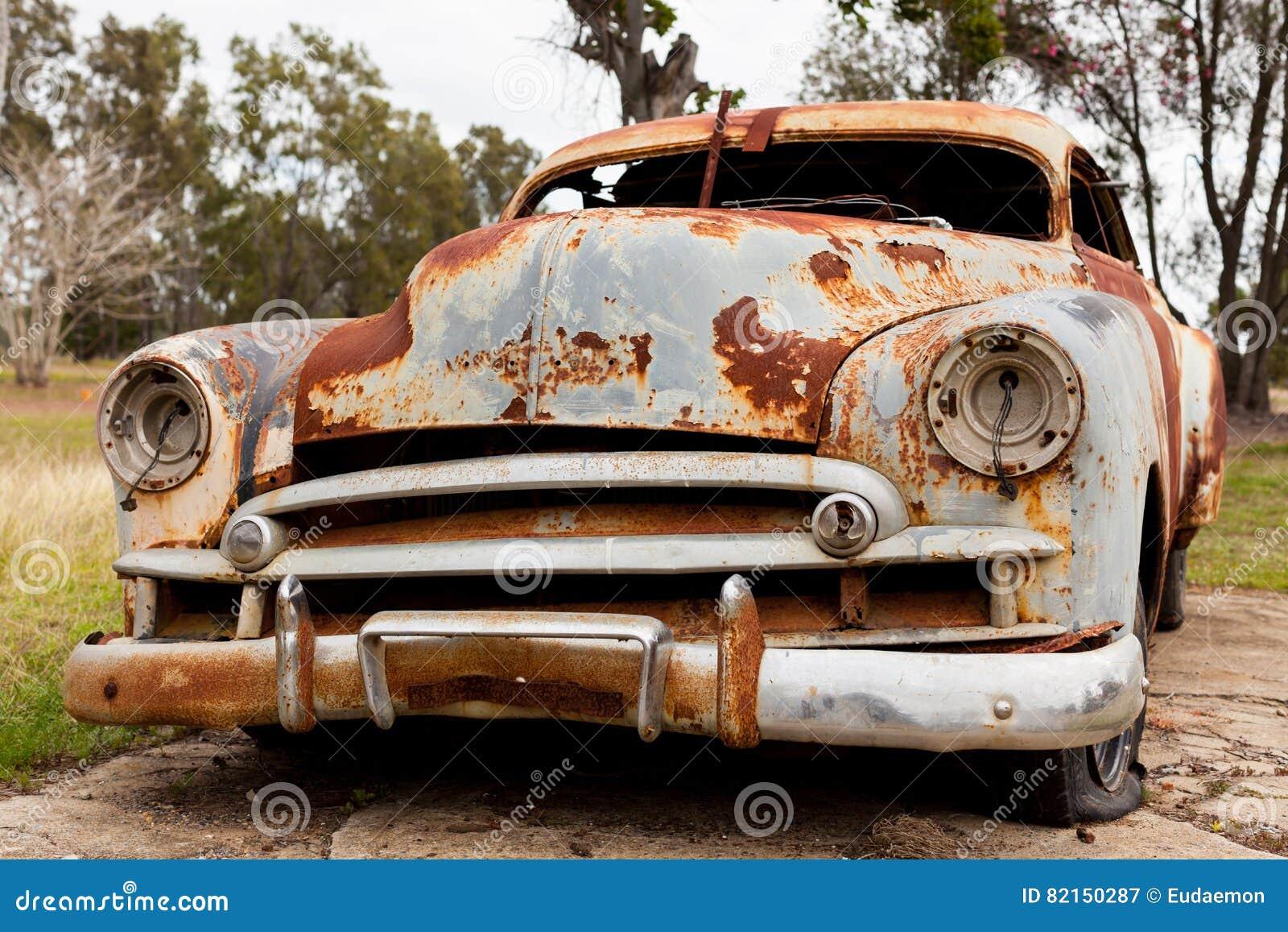 Roestige Oude Auto Stock Afbeelding Image Of Auto Koplamp 82150287