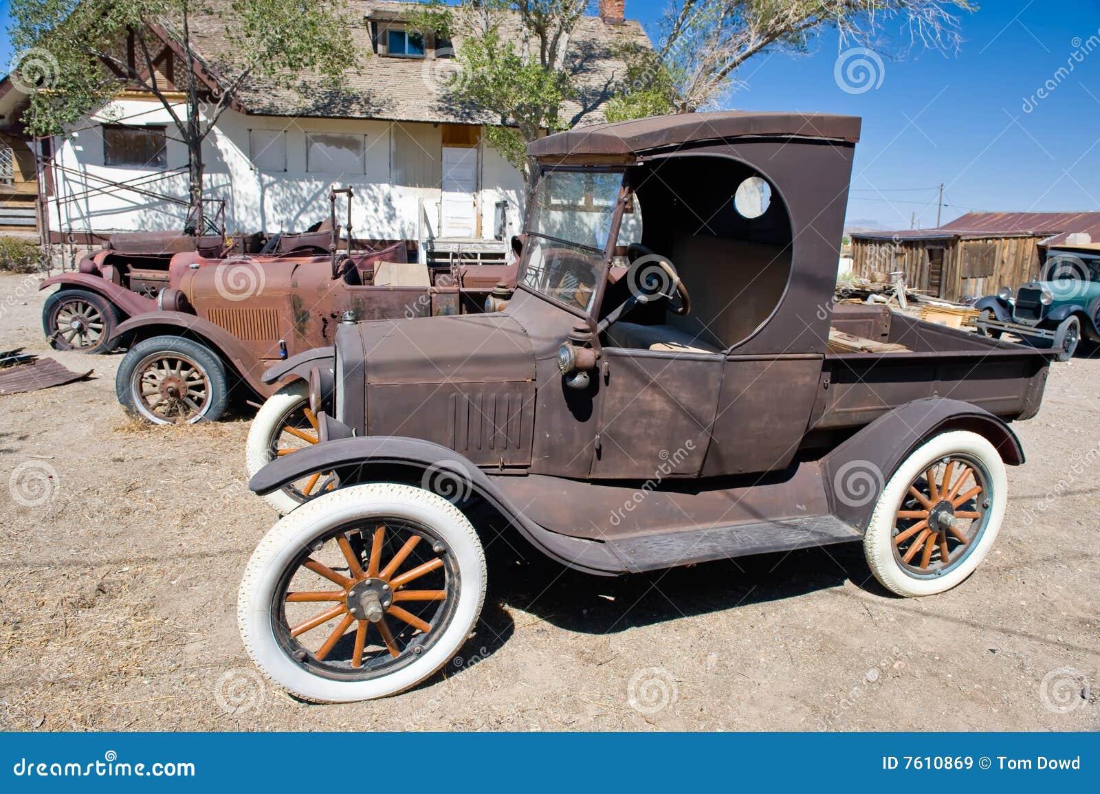 Roestige Uitstekende Auto s