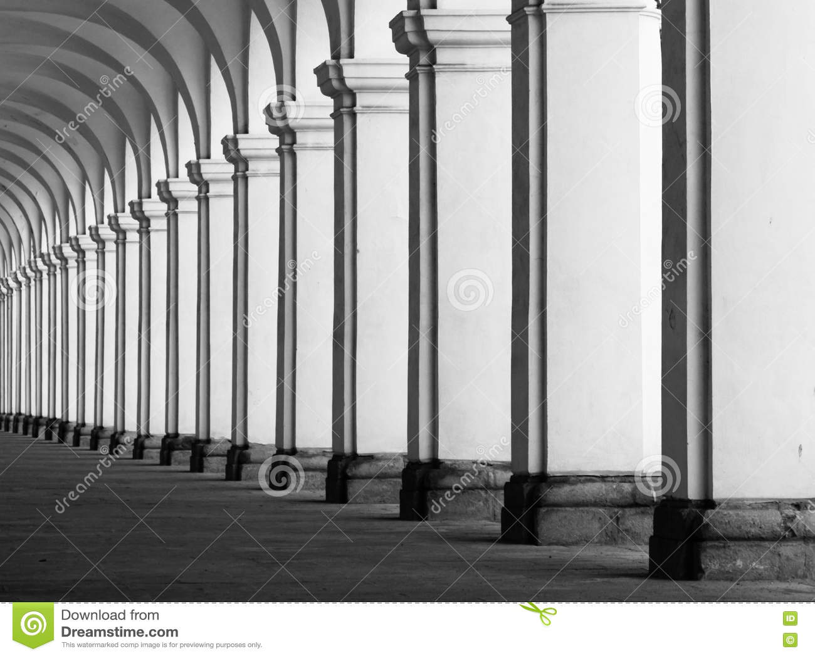 Rof van kolommen in colonnade