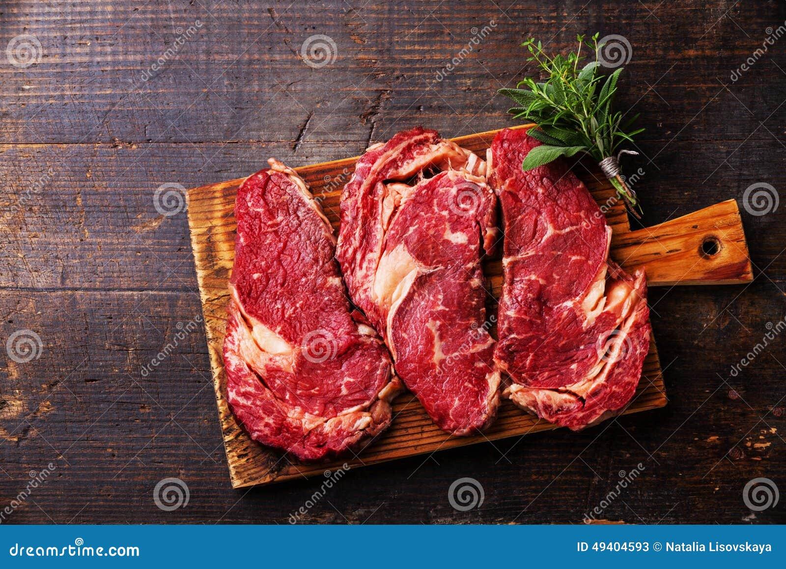 Download Rohes Fleisch Ribeye-Steakmittelrippe Vom Rind Stockbild - Bild von rosmarin, steak: 49404593