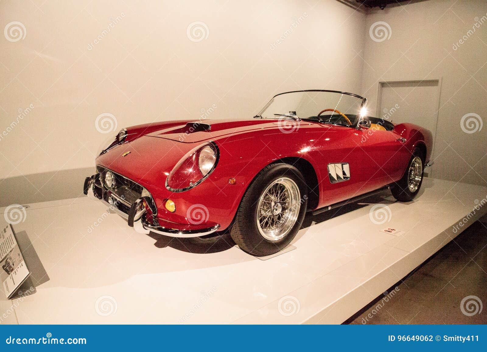 Rojo Ferrari 1961 250 Gt California Spyder Swb Fotografia Editorial Imagen De Spyder Ferrari 96649062