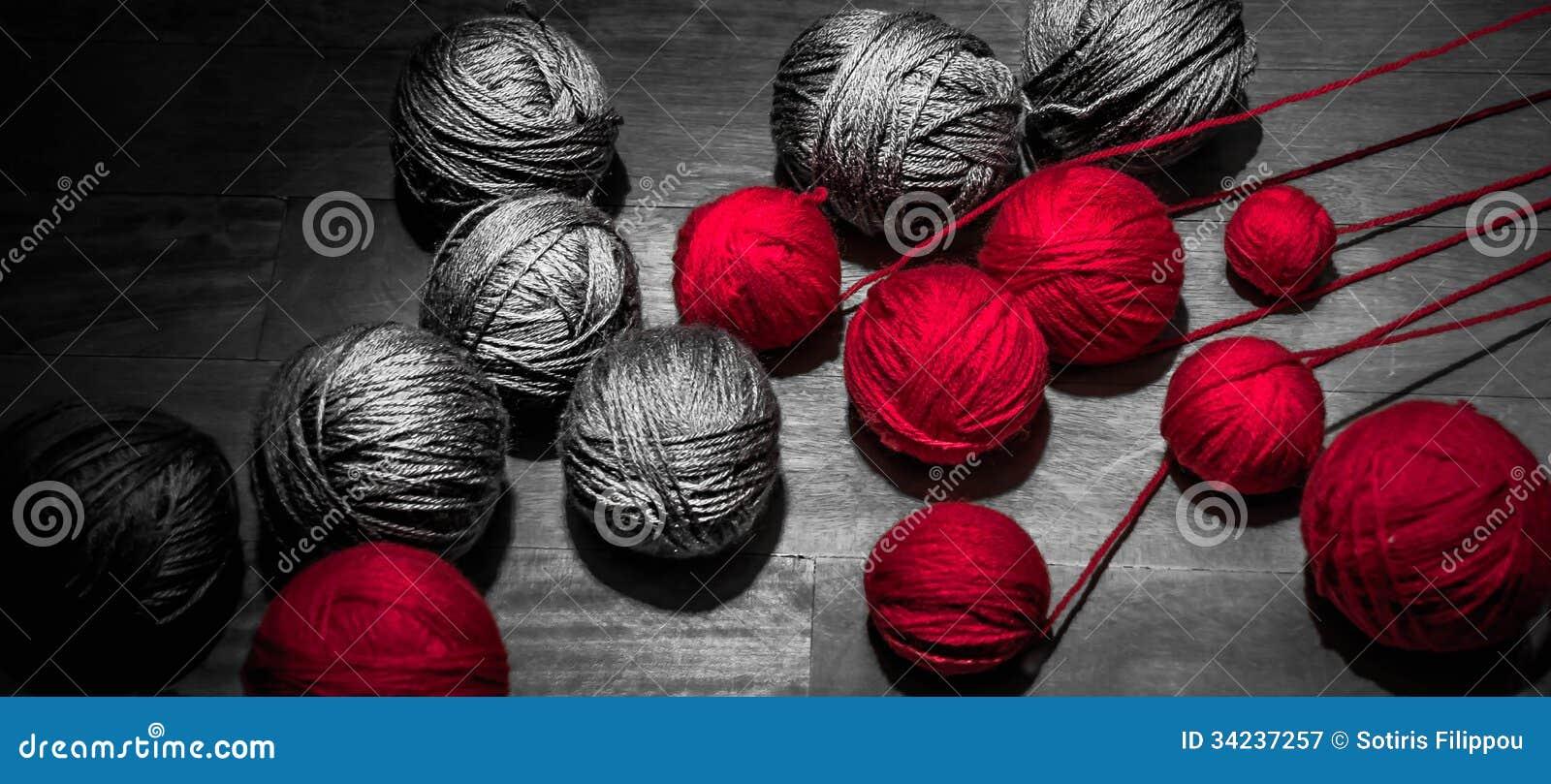 Rojo y Grey Threads