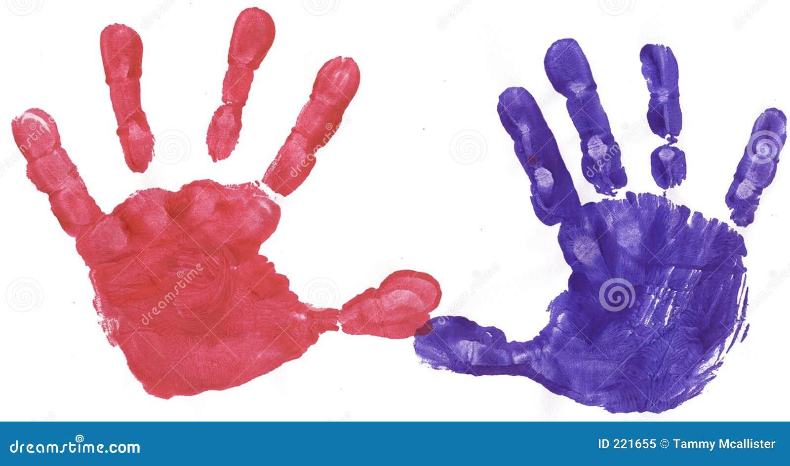 Rojo y manos pintadas azules
