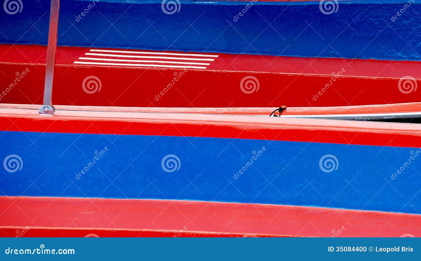 Rojo Y Paredes Pintadas Azul Del Tablero Foto De Archivo Imagen De - Paredes-pintadas-de-azul