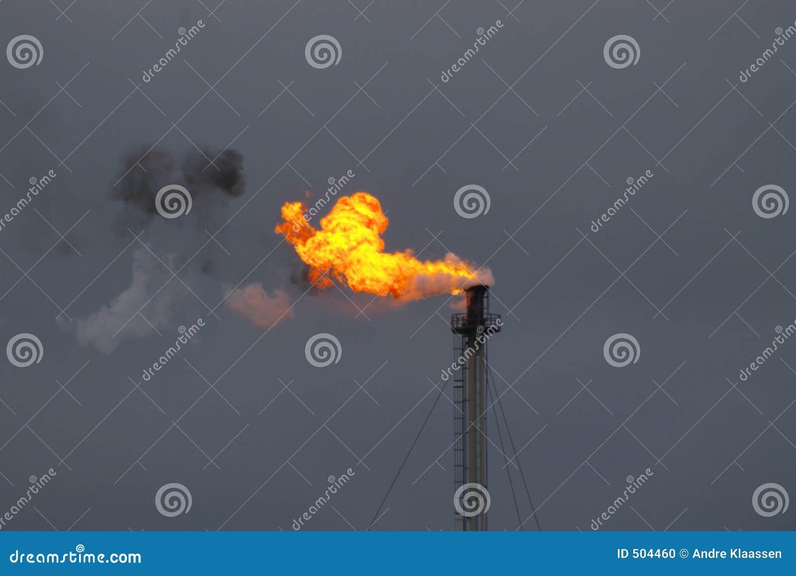 Rokende vlam van de industrie